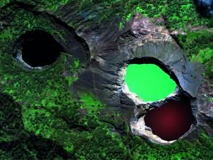 Kelimutu-Lakes-Flores-Indonesia