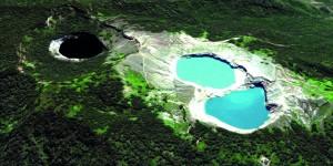 Lake-Kalimutu-1